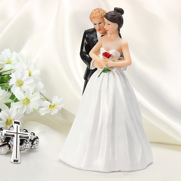 Romantic Rose Bride And Groom Lovely Couple Figurine Cake Topper
